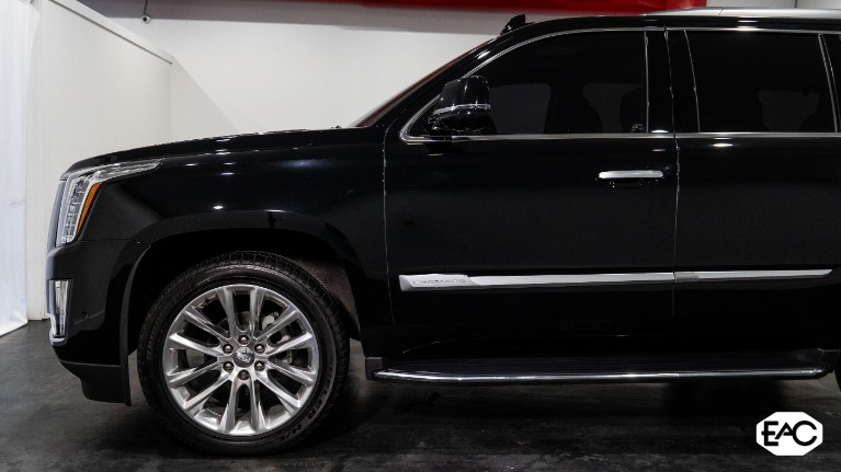 Used 2019 Cadillac Escalade Luxury for sale Sold at Empire Auto Collection in Warren MI 48091 2