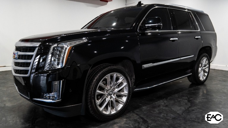 Used 2019 Cadillac Escalade Luxury for sale Sold at Empire Auto Collection in Warren MI 48091 1