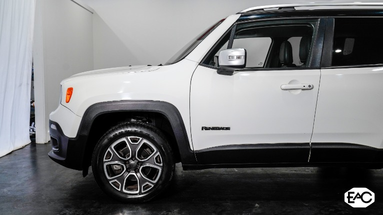 Used 2015 Jeep Renegade Limited for sale $12,990 at Empire Auto Collection in Warren MI 48091 2