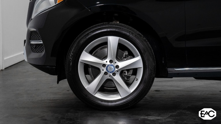 Used 2017 Mercedes-Benz GLE GLE 350 4MATIC for sale $32,990 at Empire Auto Collection in Warren MI 48091 3