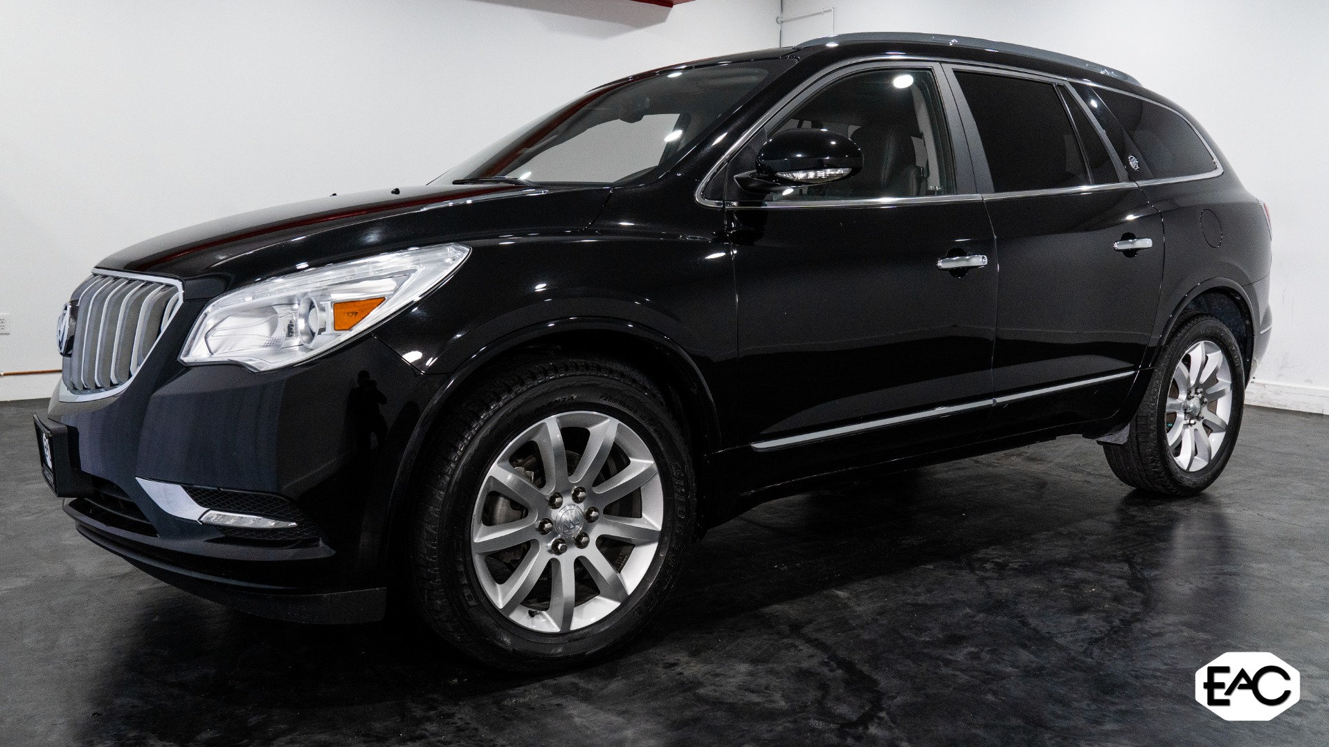 Used 2017 Buick Enclave Premium for sale $28,100 at Empire Auto Collection in Warren MI 48091 1