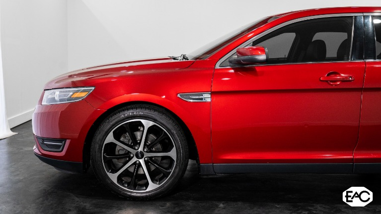 Used 2015 Ford Taurus SEL AWD for sale Sold at Empire Auto Collection in Warren MI 48091 2