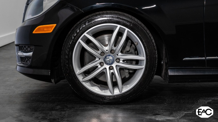 Used 2013 Mercedes-Benz C-Class C 300 Luxury 4MATIC for sale Sold at Empire Auto Collection in Warren MI 48091 3