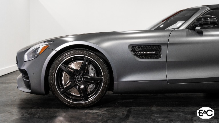 Used 2018 Mercedes-Benz AMG GT 2dr Roadster for sale $93,990 at Empire Auto Collection in Warren MI 48091 3