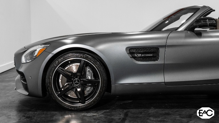 Used 2018 Mercedes-Benz AMG GT 2dr Roadster for sale $93,990 at Empire Auto Collection in Warren MI 48091 4