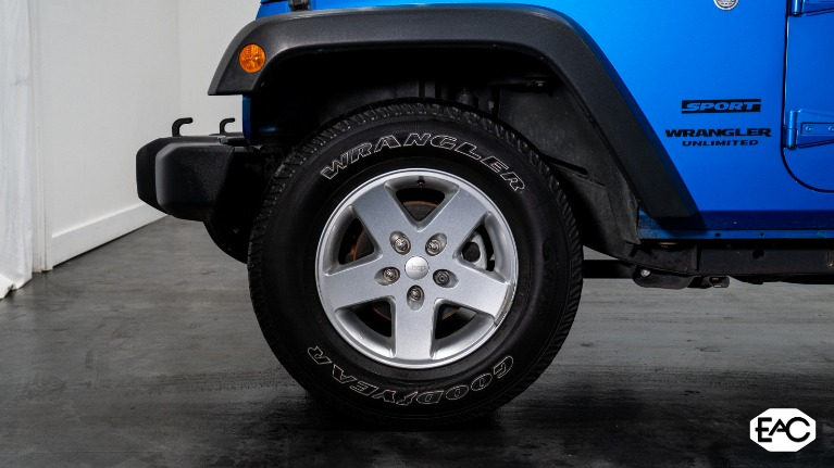 Used 2015 Jeep Wrangler Unlimited Sport for sale $26,990 at Empire Auto Collection in Warren MI 48091 3