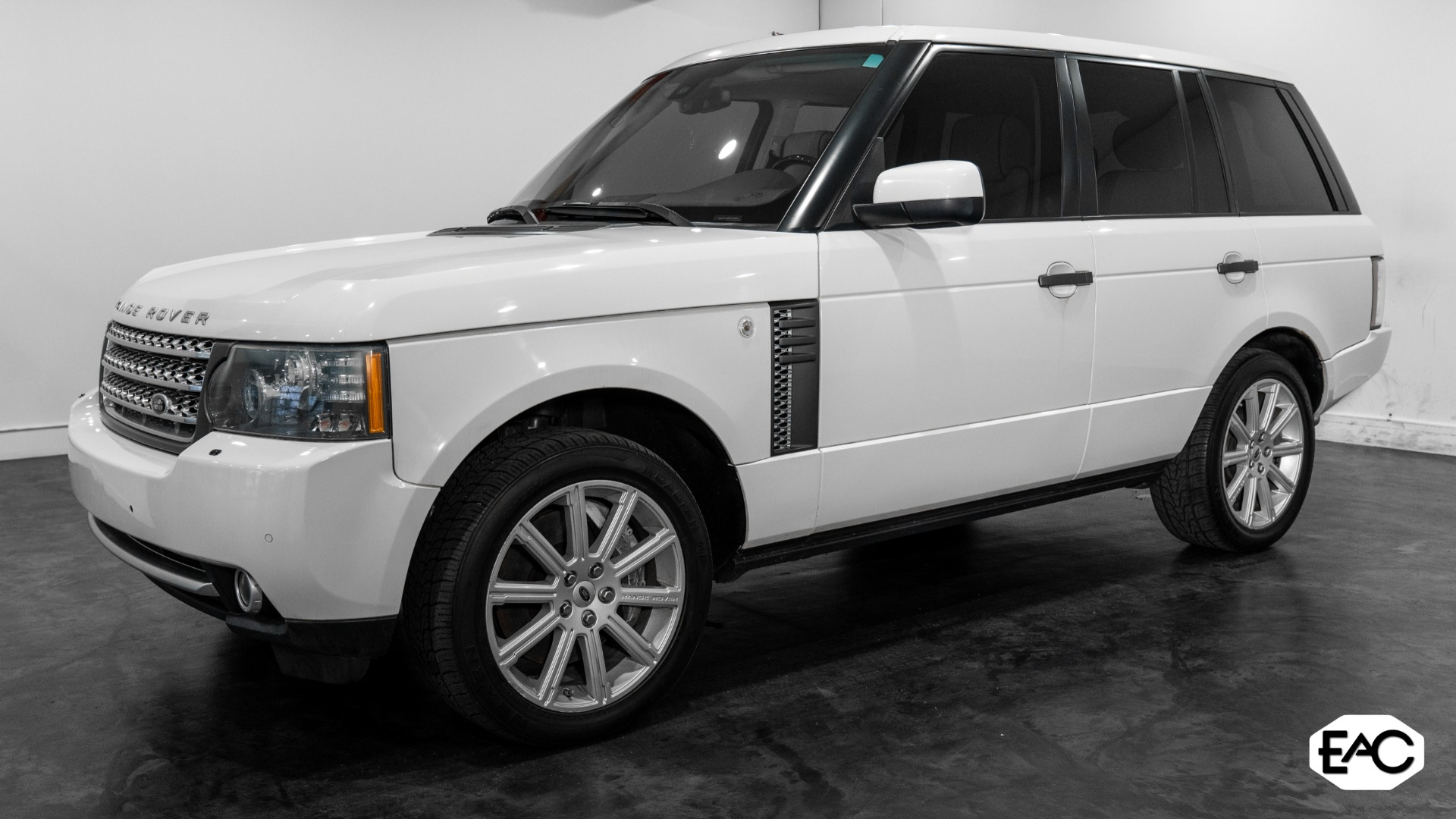 Used 2010 Land Rover Range Rover Supercharged for sale Sold at Empire Auto Collection in Warren MI 48091 1