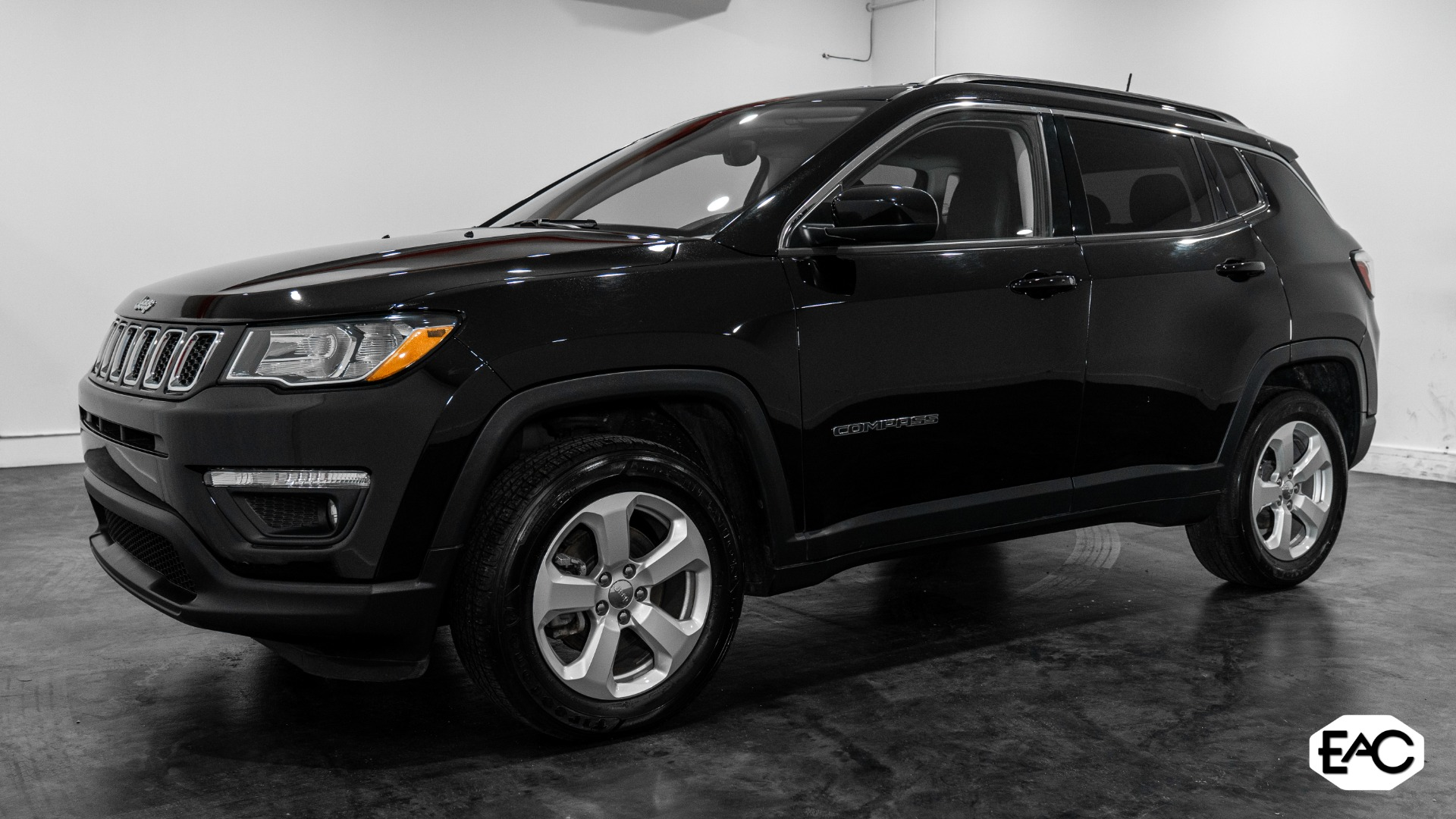 Used 2018 Jeep Compass Latitude for sale $16,490 at Empire Auto Collection in Warren MI 48091 1