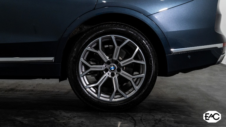 Used 2019 BMW X7 xDrive50i for sale Sold at Empire Auto Collection in Warren MI 48091 4