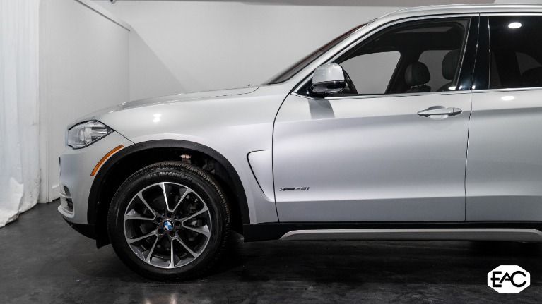 Used 2017 BMW X5 xDrive35i for sale Sold at Empire Auto Collection in Warren MI 48091 2