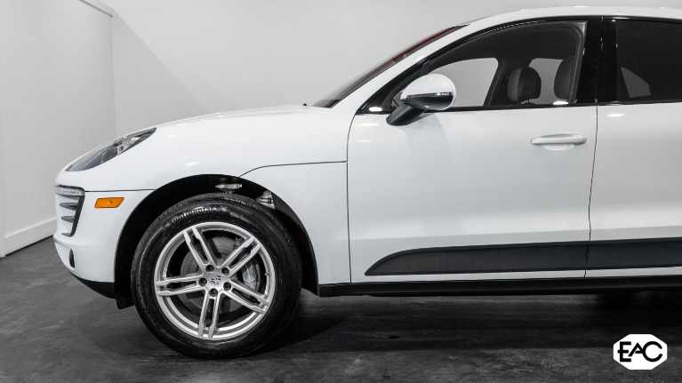 Used 2018 Porsche Macan for sale $39,990 at Empire Auto Collection in Warren MI 48091 2