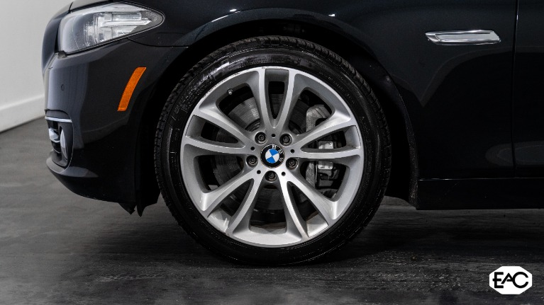 Used 2014 BMW 5 Series 535i xDrive for sale Sold at Empire Auto Collection in Warren MI 48091 3
