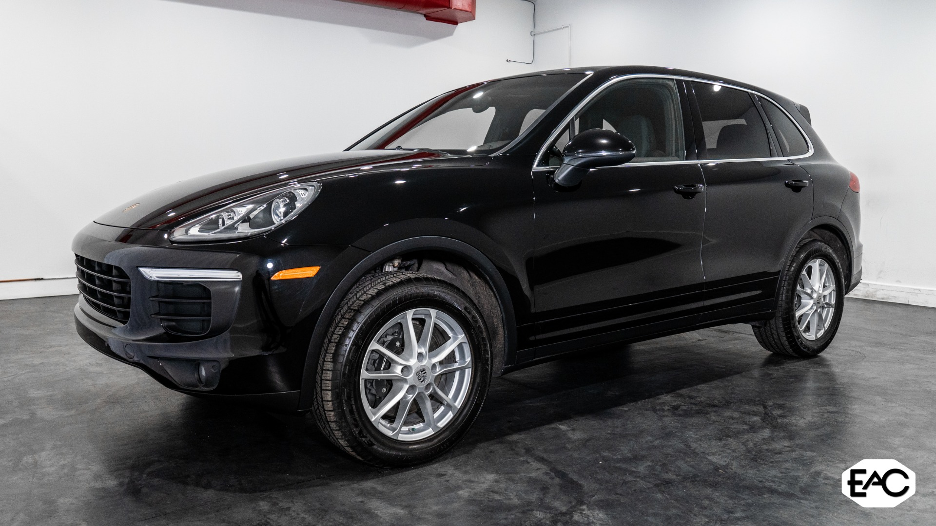 Used 2017 Porsche Cayenne Base for sale $38,990 at Empire Auto Collection in Warren MI 48091 1