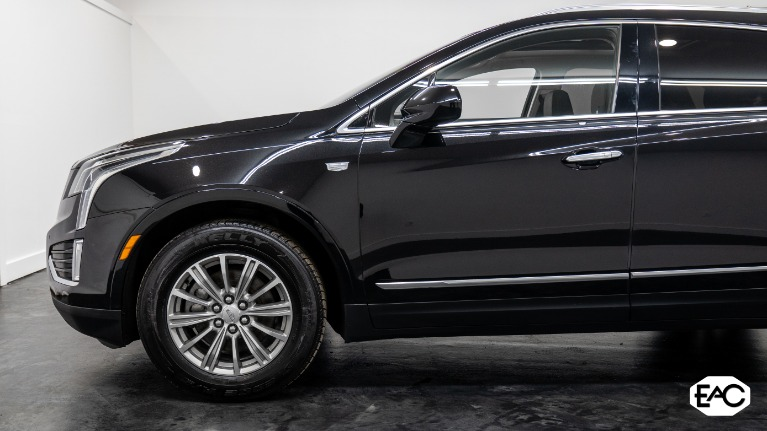 Used 2017 Cadillac XT5 Luxury for sale Sold at Empire Auto Collection in Warren MI 48091 2