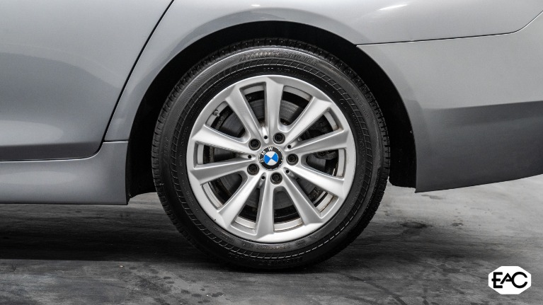 Used 2015 BMW 5 Series 528i xDrive for sale Sold at Empire Auto Collection in Warren MI 48091 4