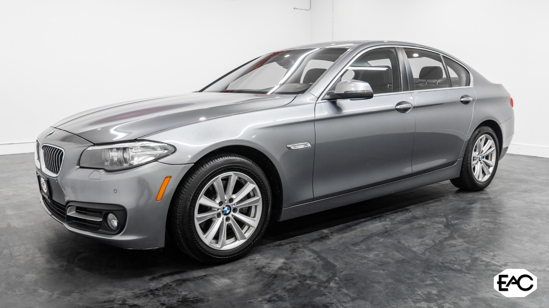 Used 2015 BMW 5 Series 528i xDrive for sale Sold at Empire Auto Collection in Warren MI 48091 1
