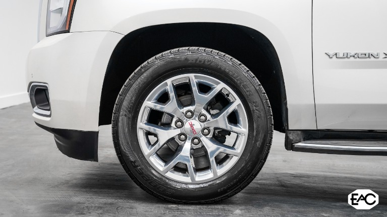Used 2015 GMC Yukon XL SLT 1500 for sale Sold at Empire Auto Collection in Warren MI 48091 3