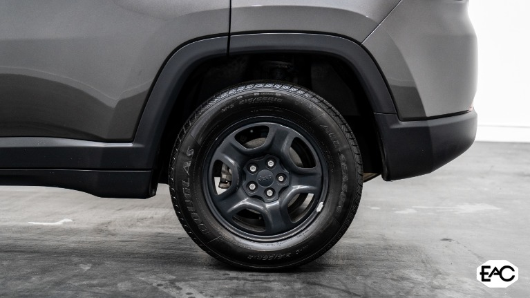 Used 2018 Jeep Compass Sport for sale Sold at Empire Auto Collection in Warren MI 48091 4