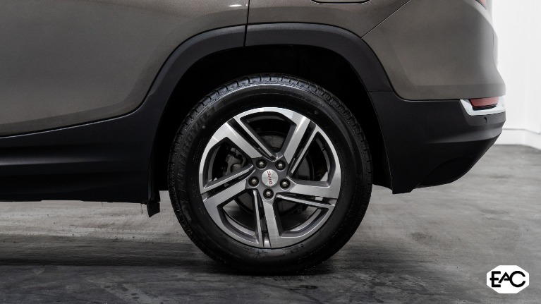 Used 2020 GMC Terrain SLT for sale Sold at Empire Auto Collection in Warren MI 48091 4