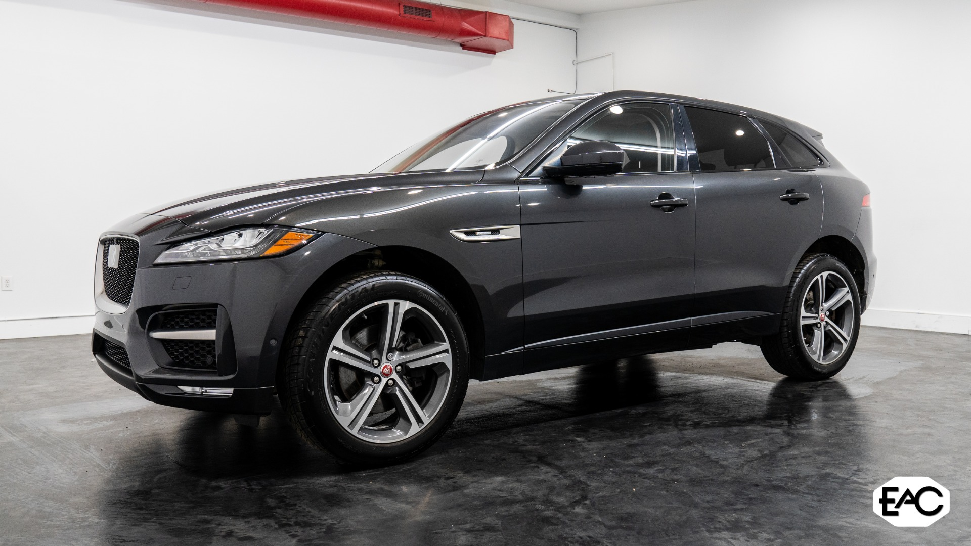 Used 2017 Jaguar F-PACE 35t R-Sport for sale $37,990 at Empire Auto Collection in Warren MI 48091 1