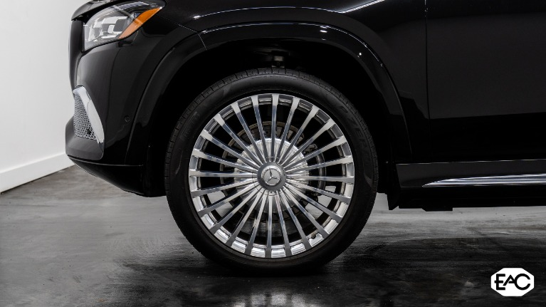 Used 2021 Mercedes-Benz GLS Mercedes-Maybach GLS 600 4MATIC for sale $289,990 at Empire Auto Collection in Warren MI 48091 3