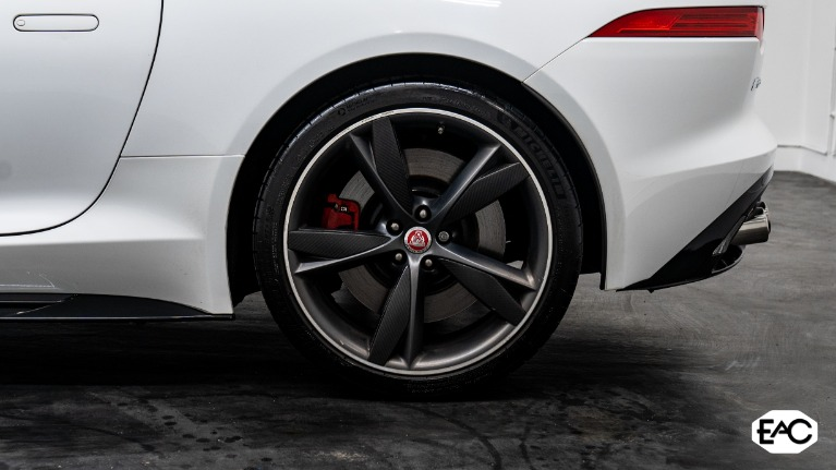 Used 2017 Jaguar F-TYPE R for sale $57,490 at Empire Auto Collection in Warren MI 48091 4
