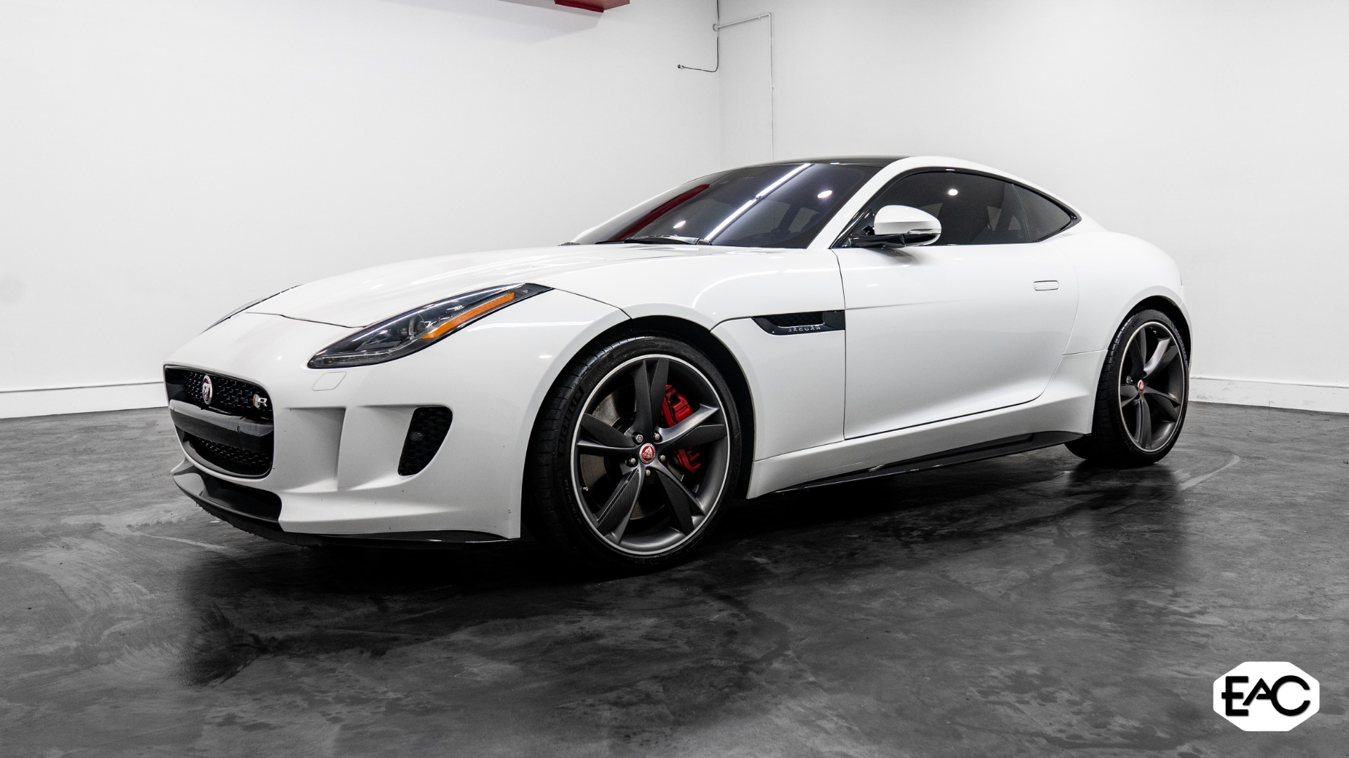Used 2017 Jaguar F-TYPE R for sale $57,490 at Empire Auto Collection in Warren MI 48091 1