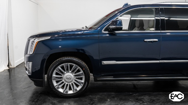 Used 2018 Cadillac Escalade Platinum for sale Sold at Empire Auto Collection in Warren MI 48091 2