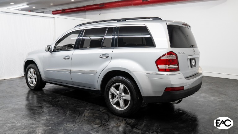 Used 2008 Mercedes-Benz GL-Class GL 450 4MATIC for sale $9,990 at Empire Auto Collection in Warren MI 48091 4