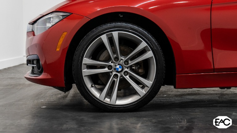 Used 2016 BMW 3 Series 320i xDrive for sale $17,990 at Empire Auto Collection in Warren MI 48091 3