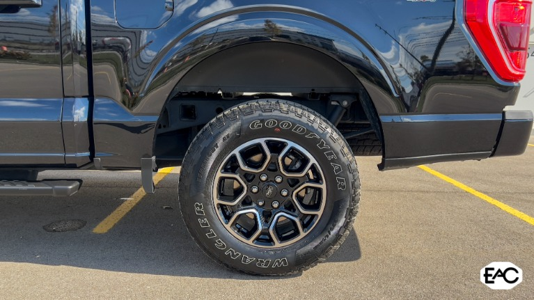 Used 2021 Ford F-150 XLT for sale Sold at Empire Auto Collection in Warren MI 48091 4