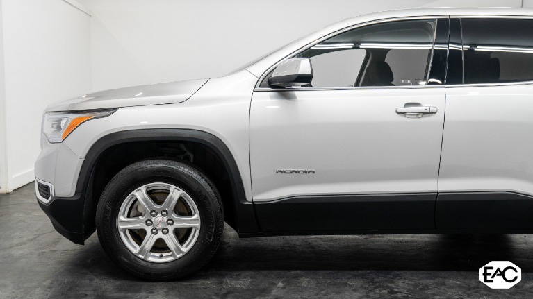 Used 2019 GMC Acadia SLE-1 for sale Sold at Empire Auto Collection in Warren MI 48091 2