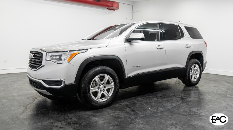 Used 2019 GMC Acadia SLE-1 for sale Sold at Empire Auto Collection in Warren MI 48091 1