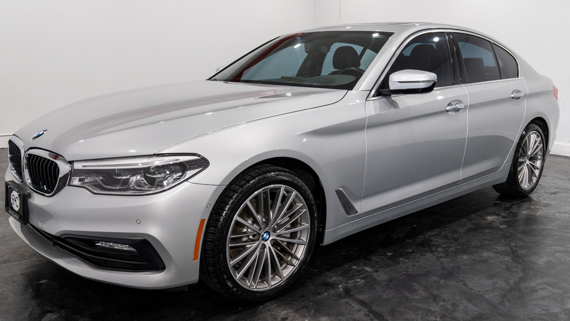 Used 2017 BMW 530i xDrive 530i xDrive for sale $31,995 at Empire Auto Collection in Warren MI 48091 1