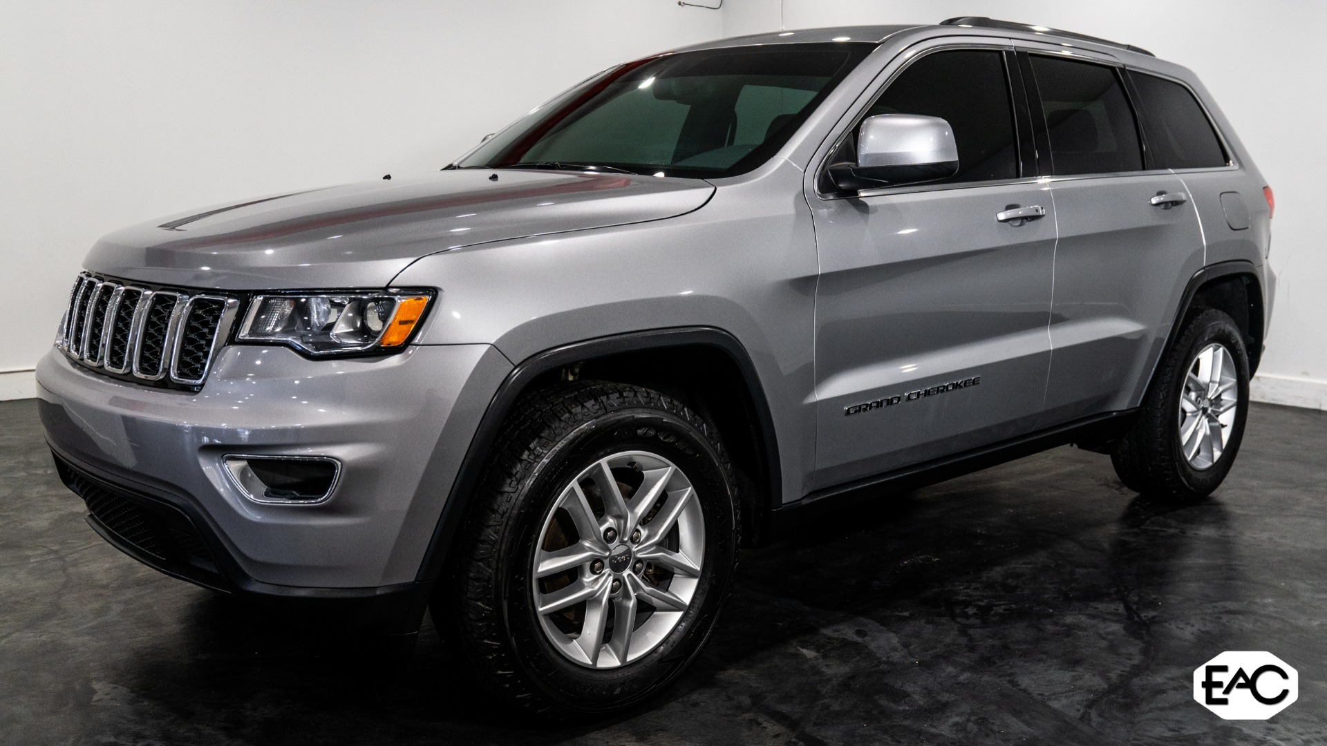 Used 2018 Jeep Grand Cherokee Laredo for sale Sold at Empire Auto Collection in Warren MI 48091 1